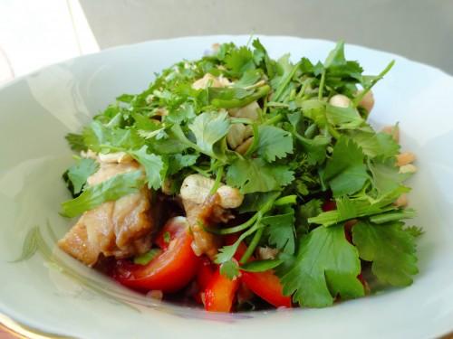 Thajsky salát svepřovým masem
